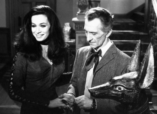 Valerie Leon and Peter Cushing in Blood from the Mummy's Tomb